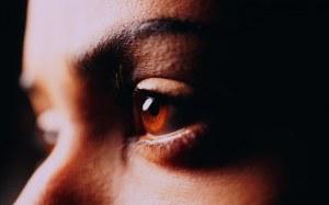 brown_eye_up_close-1920x1200